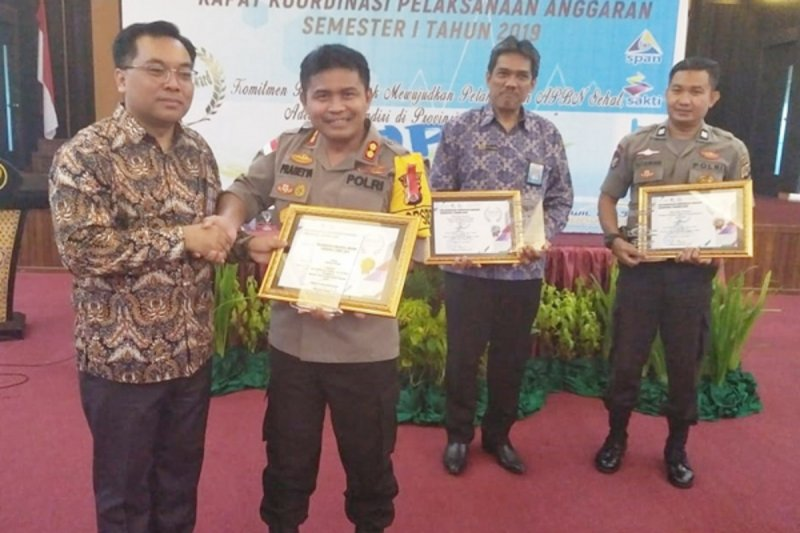 Polres Kepulauan Talaud raih penghargaan Indiikator Kinerja Pelaksanaan Anggaran