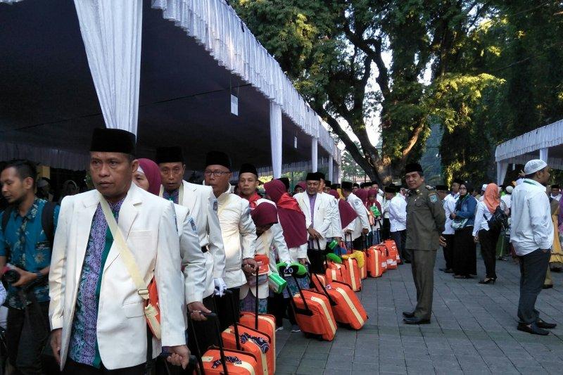 JCH kloter tiga Mataram bergerak ke Mekkah