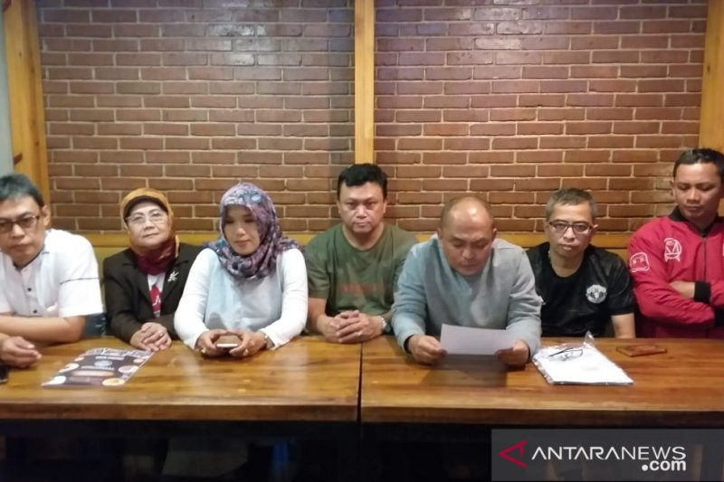 Sulit komunikasi dan pencitraan, Gurka tarik dukungan untuk Ridwan Kamil