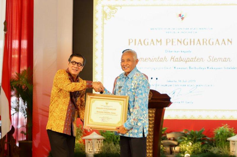 Pemkab Sleman raih penghargaan Kawasan Berbudaya HKI dari Kemenkumham