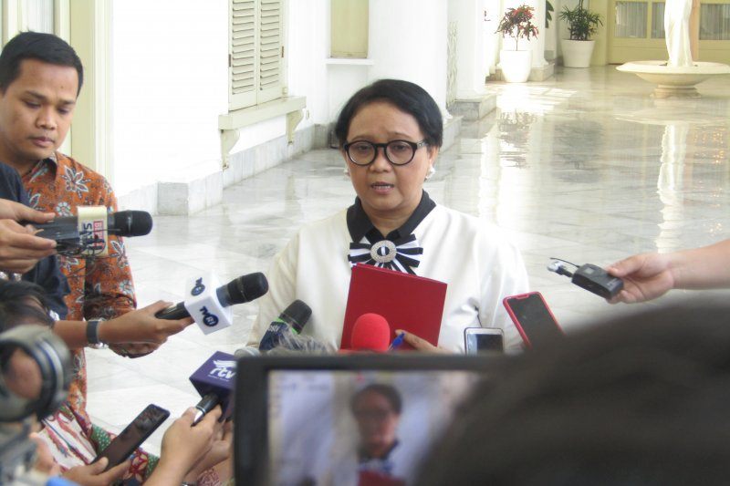 Menlu: Pertemuan Jokowi dan Menlu Singapura tak bahas FIR