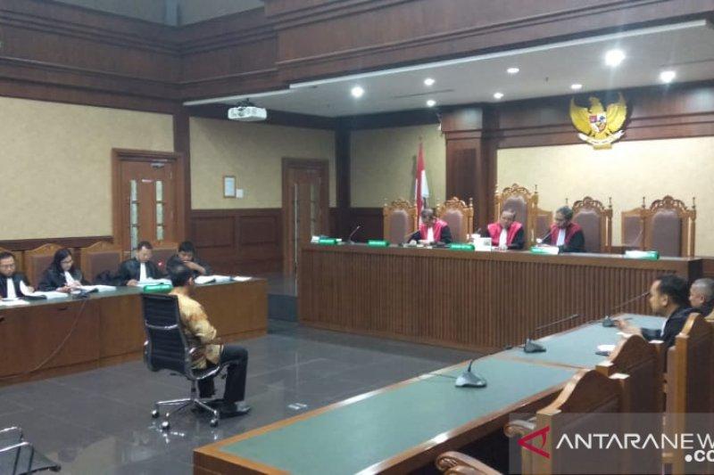 Kakanwil Kemenag Jatim Haris Hasanudin dituntut 3 tahun bui
