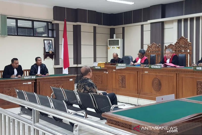 Sidang dakwaan batal, mantan Bupati Sragen tak didampingi penasihat hukum