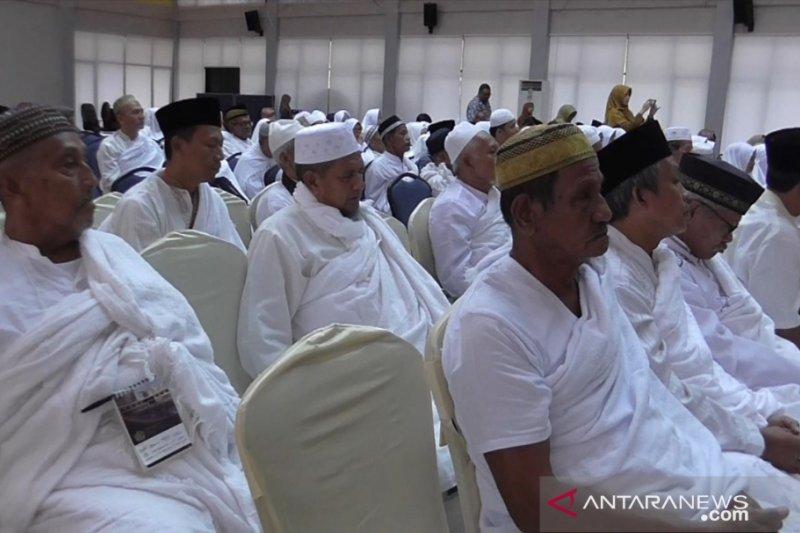 Pada 21 Agustus, jadwal puluhan calhaj Bintan diberangkatkan