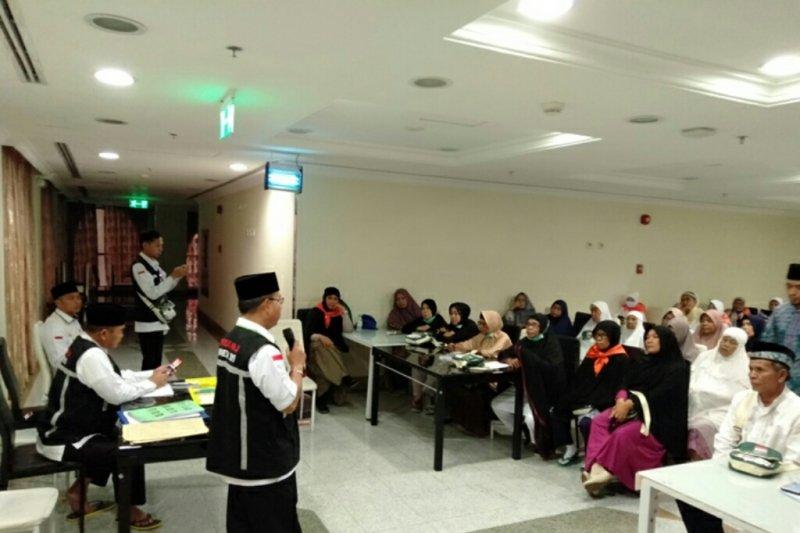 Calhaj Bengkalis bimbingam manasik haji di Madinah