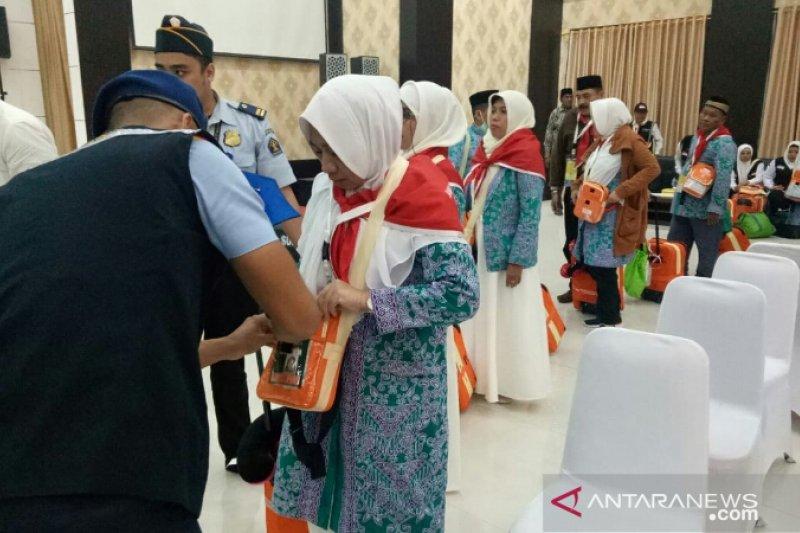 """Calon haji Kloter 15 Makassar  khawatirkan ibadah """"Arbain"""""""