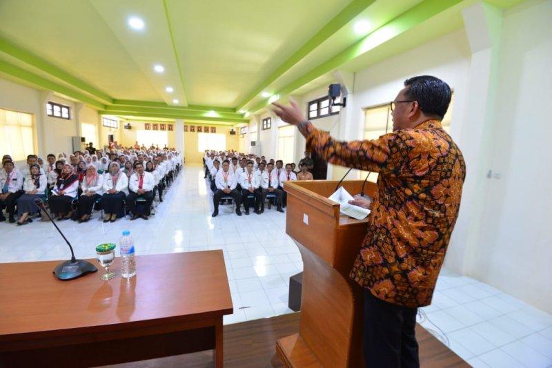 Gubernur Sulsel  ingatkan peserta Latpim dan Latsar menjaga APBD