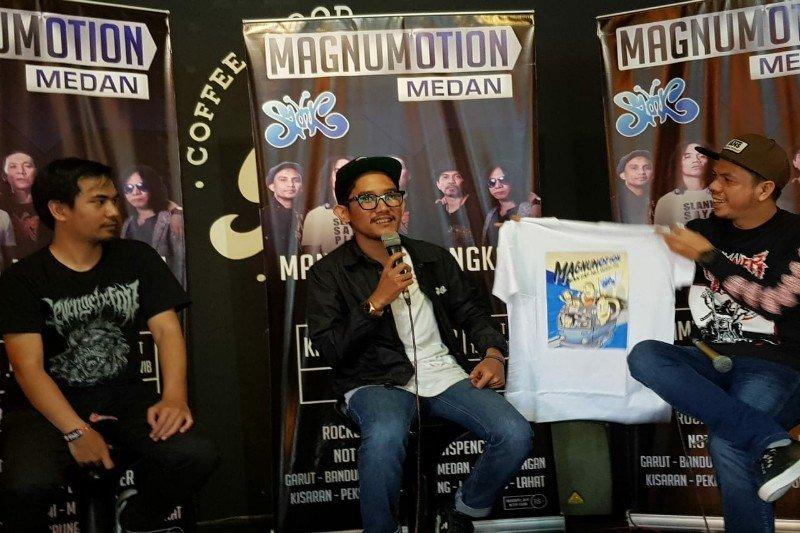 Slank sapa penonton Medan dengan 20 lagu