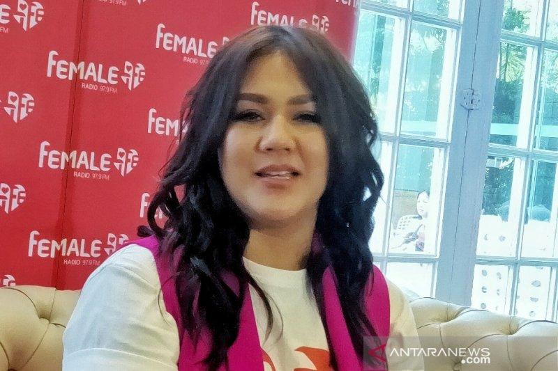Aktris Sissy Priscillia nikmati peran sebagai penyiar
