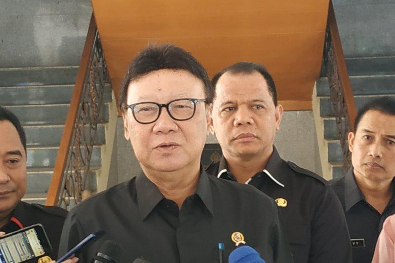 Mendagri sayangkan sikap Wali Kota Tangerang hentikan layanan publik
