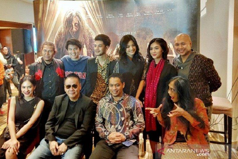 """Uka-Uka The Movie: Nini Tulang"", film terakhir Torro Margens dan Shapira Indah"