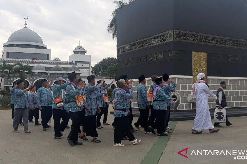 Embarkasi Jakarta Pondok Gede terima calon haji Kloter 25 asal Banten