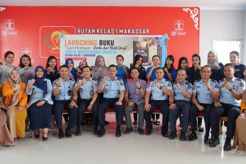 Kepala Rutan Makassar apresiasi pembuatan buku karya WBP