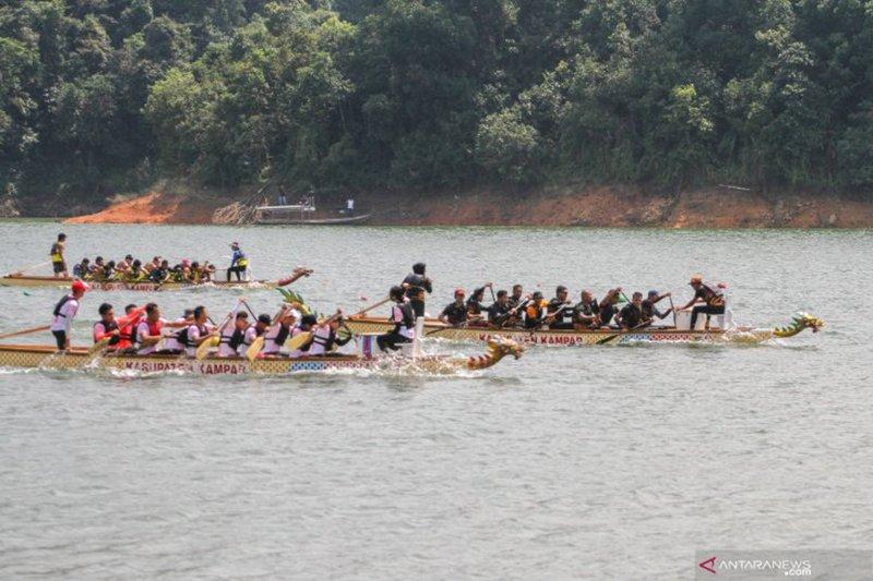 Festival Perahu Naga Kampar Riau diikuti atlet dayung 11 negara