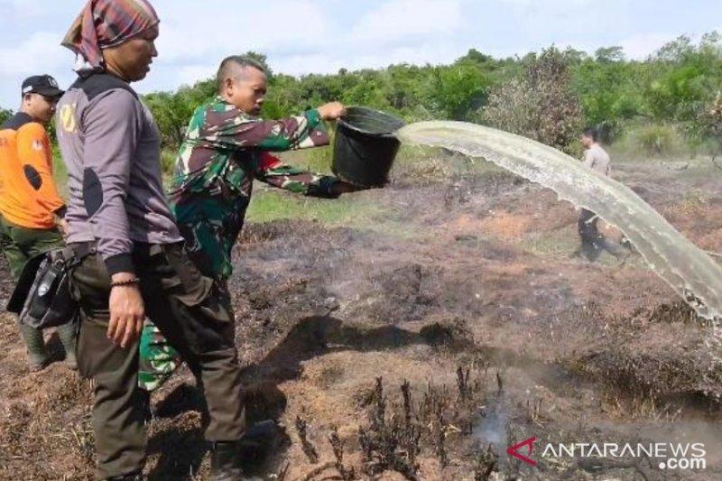 Aparat padamkan kebakaran lahan 62 ha di Bengkayang