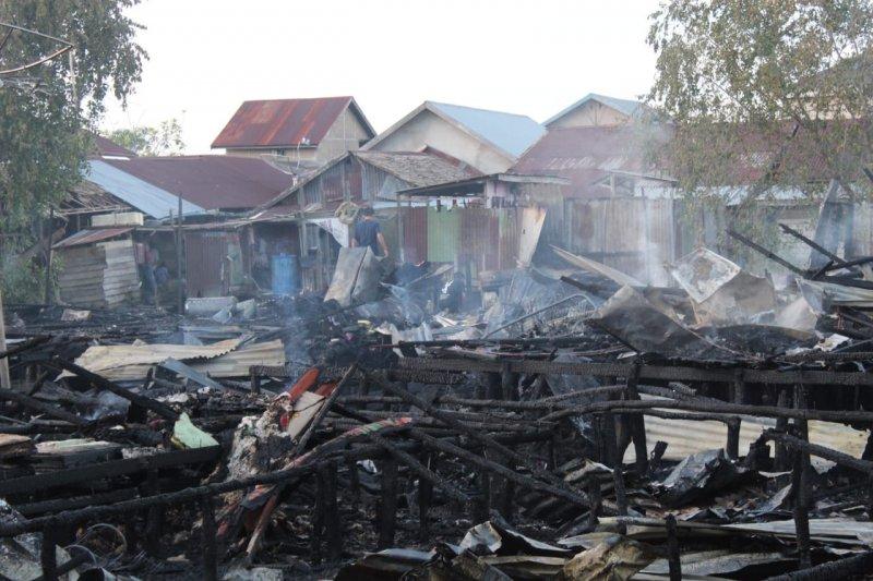 Kebakaran kembali landa belasan rumah di Pasar Umbut Kelapa Tembilahan