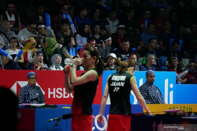 Wasit kenakan batik di semifinal Indonesia Open
