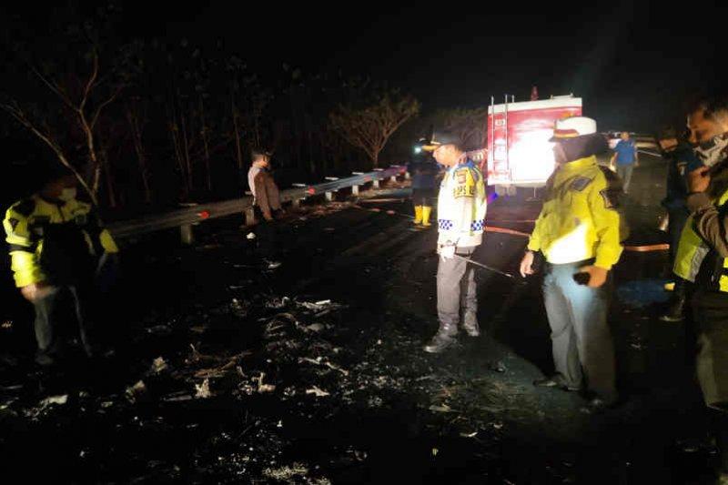Lima korban kecelakaan di Cipali tewas terbakar