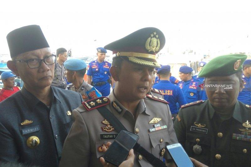 Warga Lampung Timur sukarela serahkan 30 senpi rakitan kepada polisi
