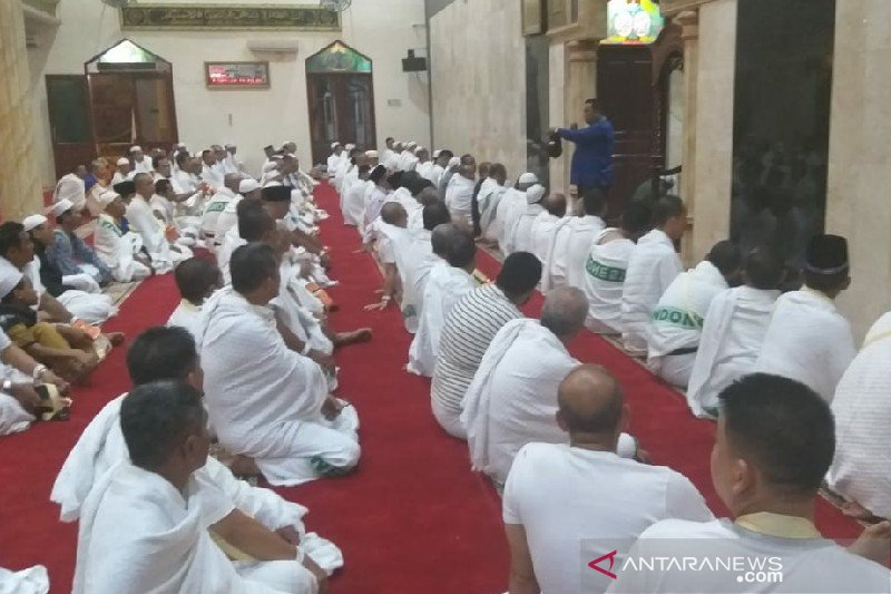 Keberangkatan dua calon haji Medan ditunda karena sakit