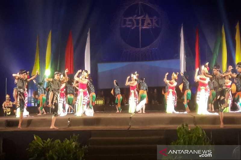 Ribuan penonton saksikan Sendratari Sindoro Sumbing
