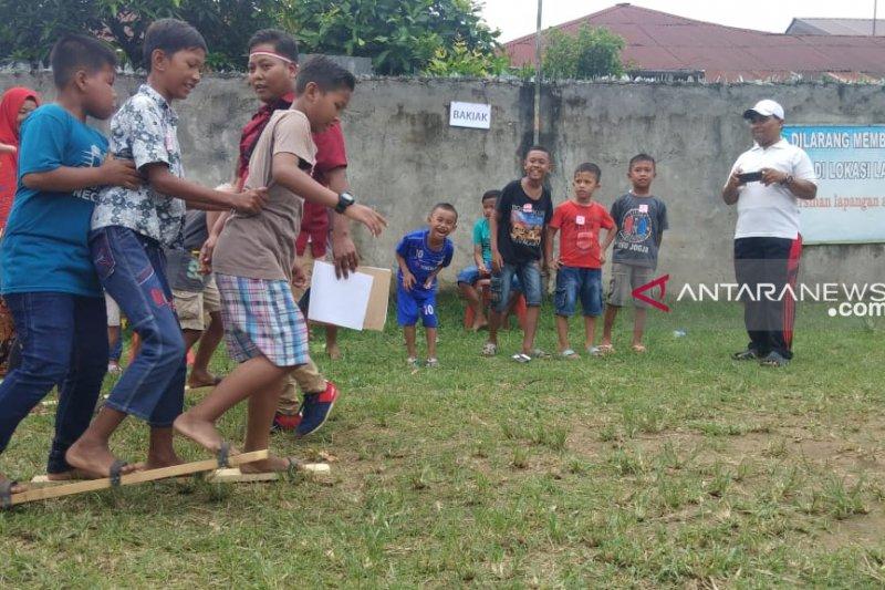 Permainan Tradisional Meriahkan Peringatan Hari Anak Nasional Di Medan Antara News Mataram Nusa Tenggara Barat