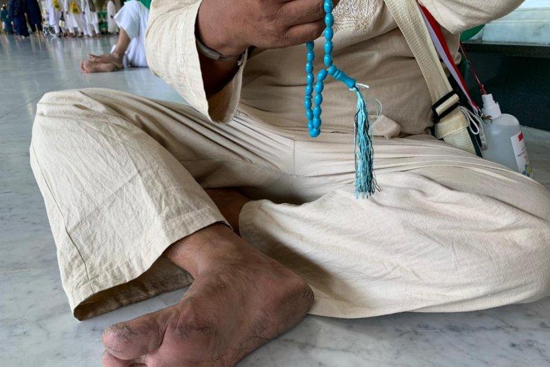 Telapak kaki jamaah Indonesia banyak yang melepuh di Masjidil Haram
