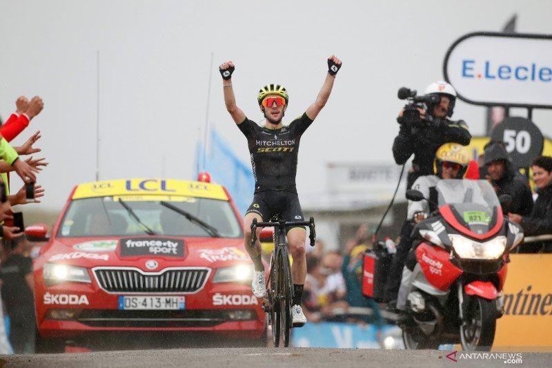 Yates keluar dari Giro d'Italia setelah positif COVID-19