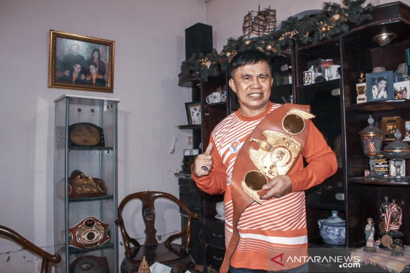ACT serahkan penghargaan petinju legendaris Ellyas Pical