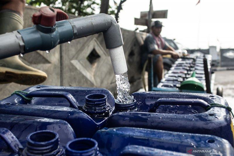 Satgas Air Bersih Aetra siapkan lima mobil tangki