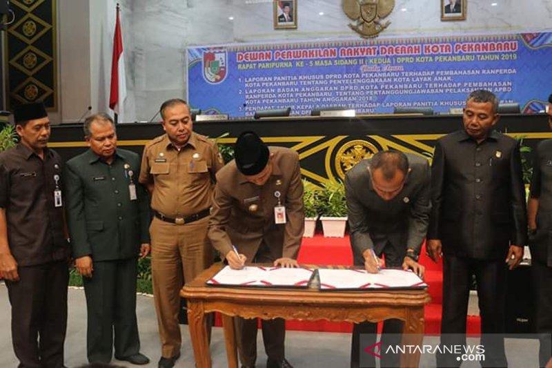 DPRD Pekanbaru sahkan Raperda Kota Layak Anak
