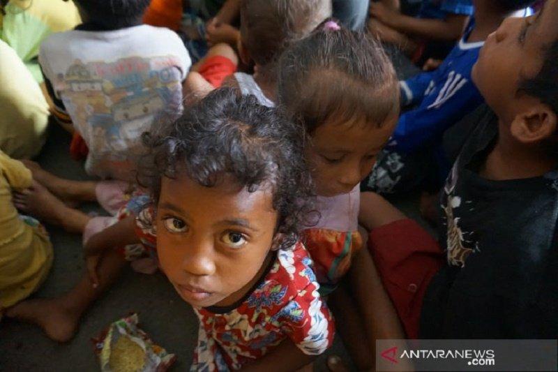 Pengungsi korban gempa bumi Halmahera Selatan masih kekurangan tenda