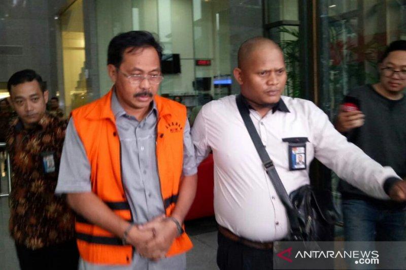 KPK  geledah lima lokasi di Kepri kasus Nurdin Basirun
