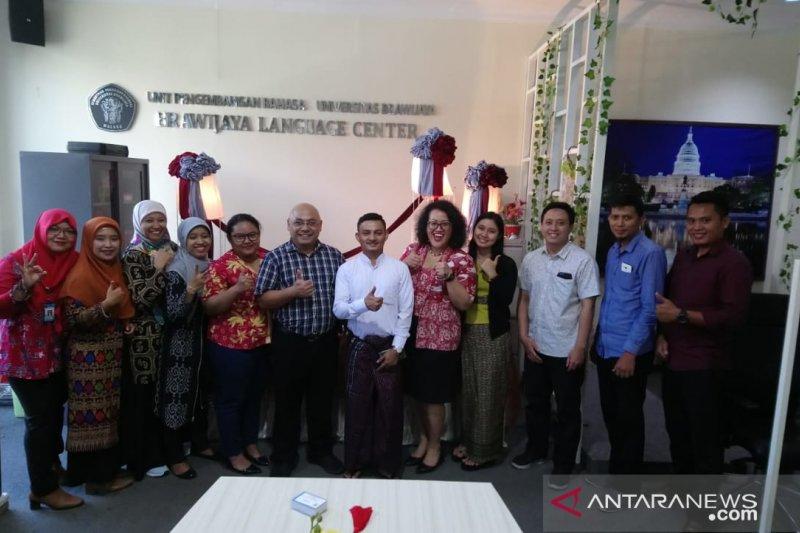 KBRI Yangon dan UB beri beasiswa bagi mahasiswa Myanmar