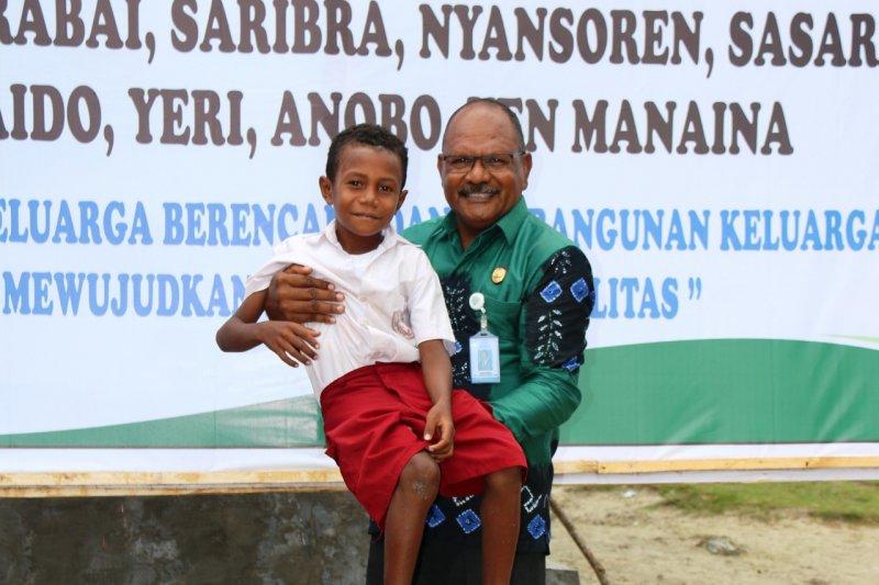 Orang tua di Papua diserukan BKKBN perhatikan anak telantar