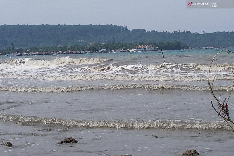 Peringatan dini gelombang tinggi Papua Barat dikeluarkan BMKG