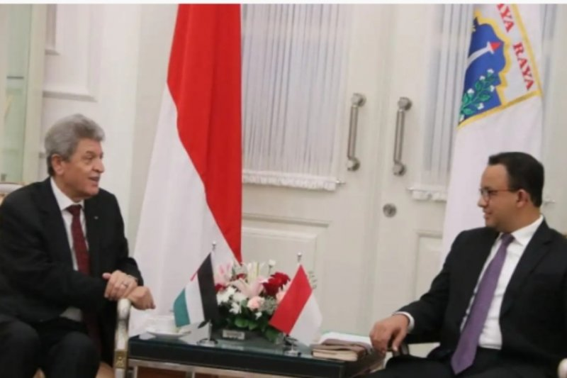 Anies receives Palestinian Ambassador