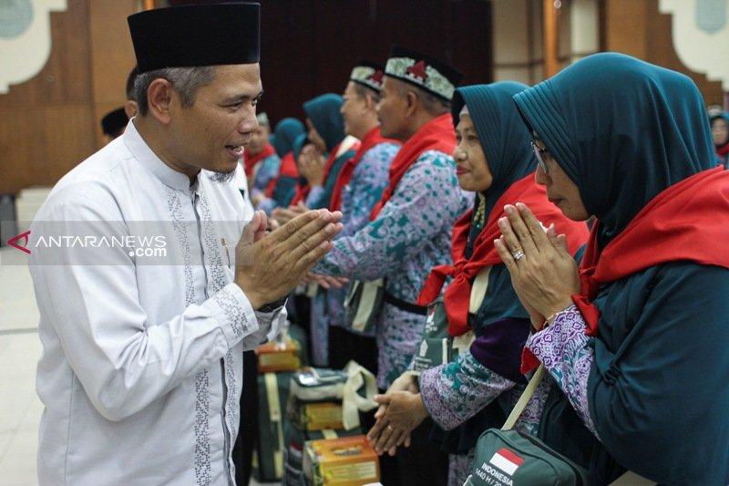 Semen Indonesia berangkatkan 192 jamaah calon haji