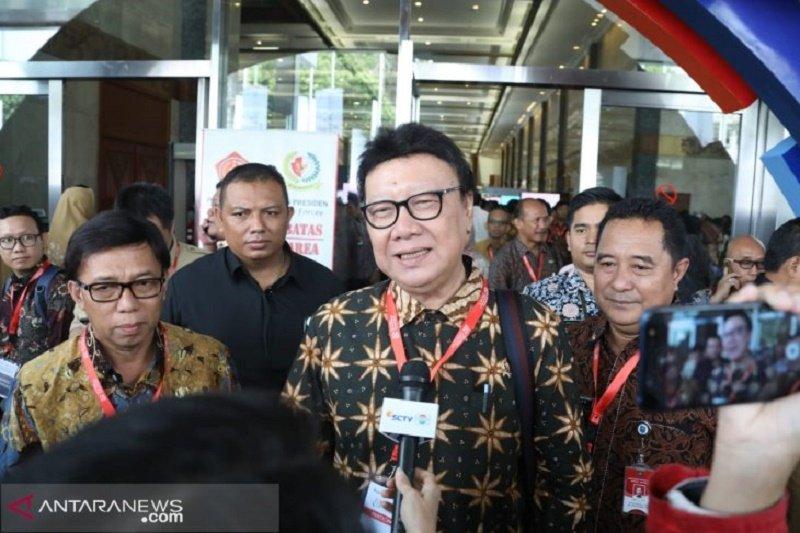 Mendagri Tjahjo Kumolo menegaskan kepala daerah jangan izin dadakan ke LN