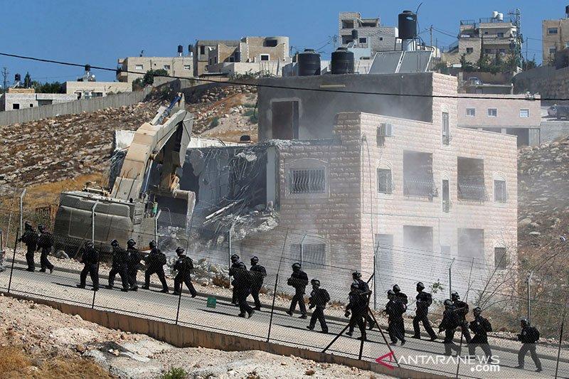 Ekstremis Yahudi semprotkan grafiti rasis di rumah di dekat Nablus