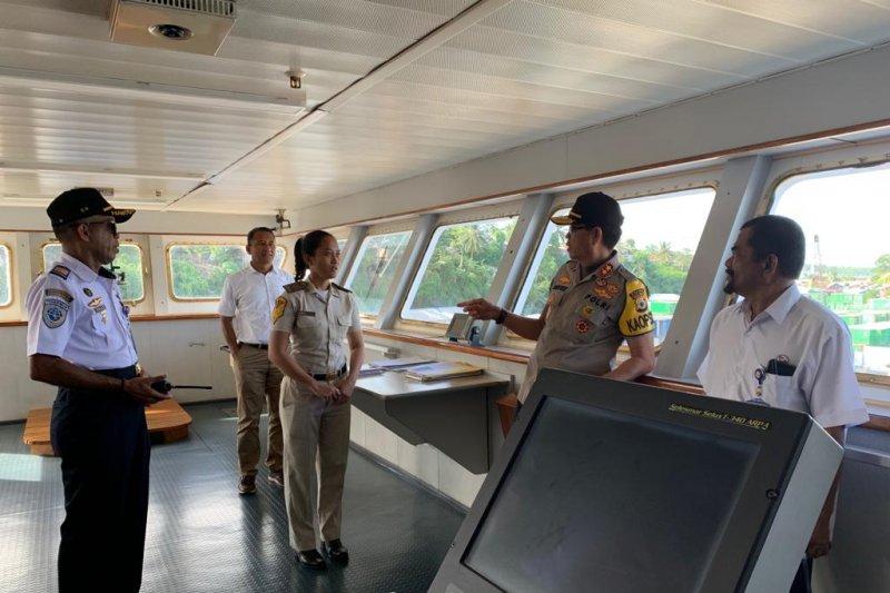 Kapolda Maluku mengecek pengamanan