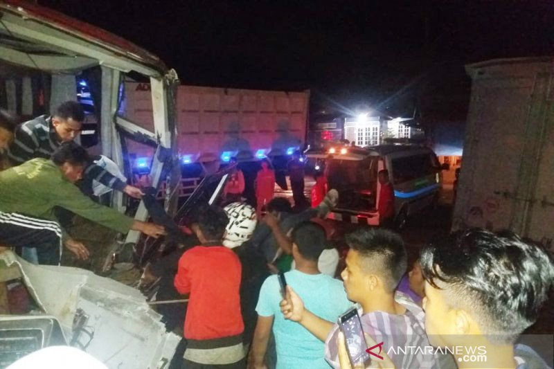 Dua penumpang tewas akibat kecelakaan bus di Dharmasraya