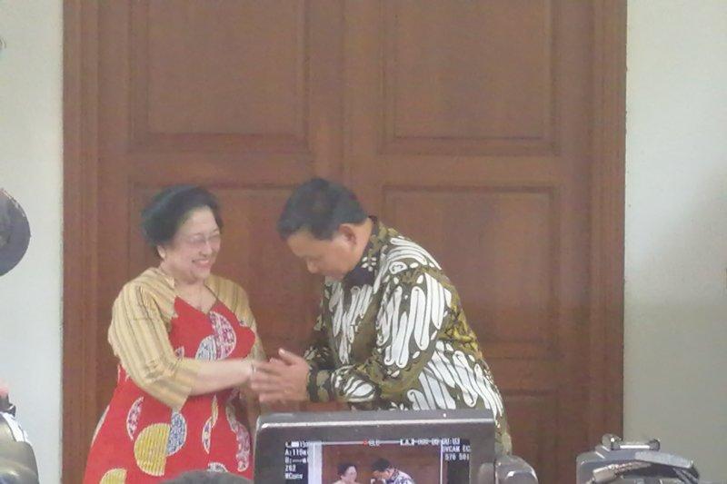 Megawati suguhkan nasi goreng ke Prabowo