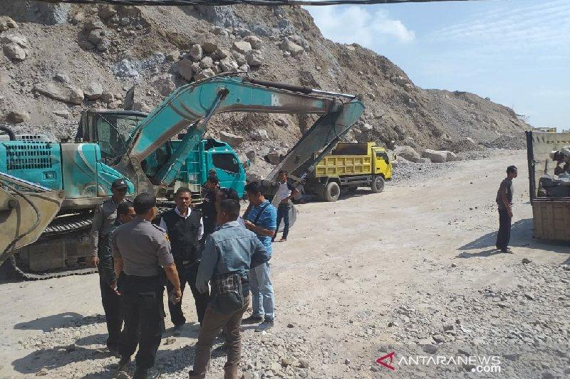 Aktivitas penambangan pasir ilegal di Garut dihentikan polisi