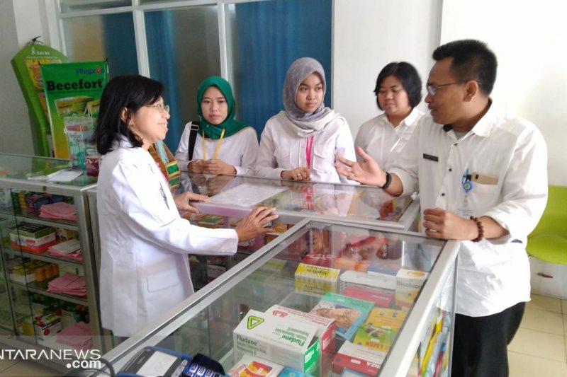 Dinkes Tangerang datangi apotek antisipasi obat palsu