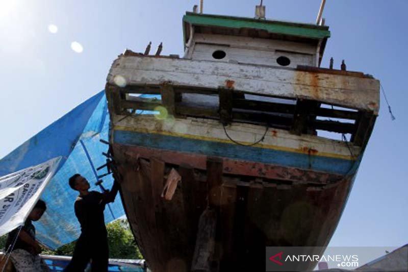 Jasa perbaikan kapal nelayan