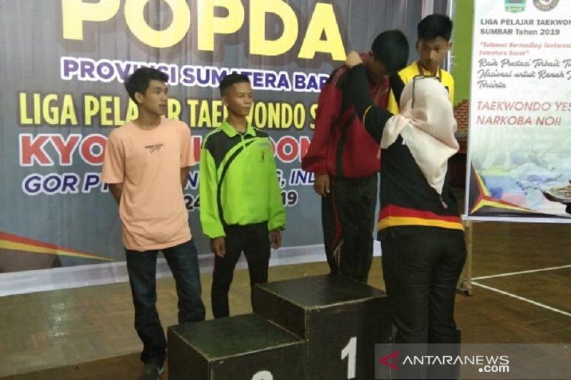 Popda 2019, Padang Panjang raih dua medali dari cabang Taekwondo