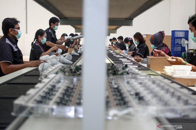 Industri lampu tenaga surya bidik pasar Indonesia Timur
