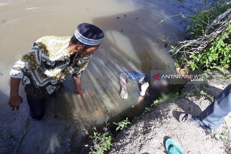 Guru SMK ditemukan tewas mengenaskan di dalam saluran air kawasan perumahan