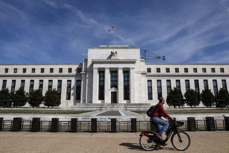 Survei: Fed bakal turunkan suku bunga